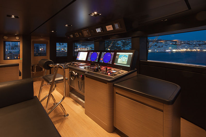 Yachts middle east - CRN - 61 METERS - INTERIOR - FD wheel house 3