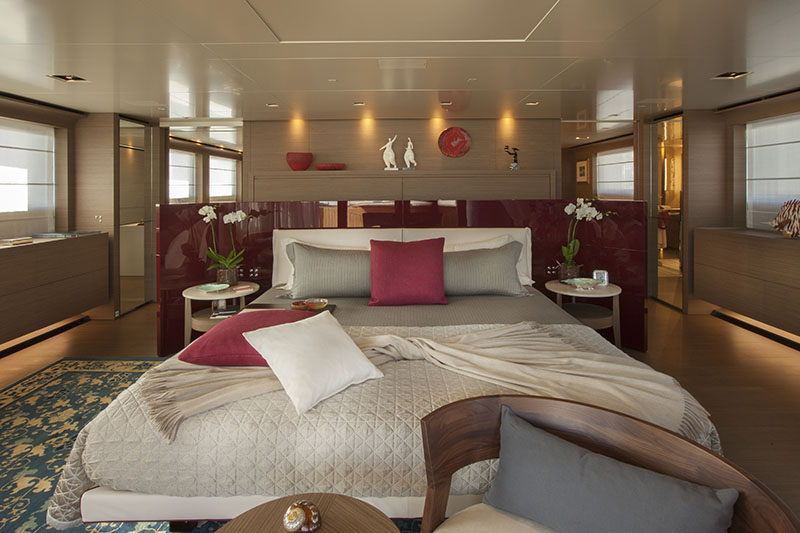 Yachts middle east - CRN - 61 METERS - INTERIOR - UD owner's suite 3