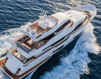 Navetta 28 تفوز بلقب القارب الأدرياتيكي لعام 2015