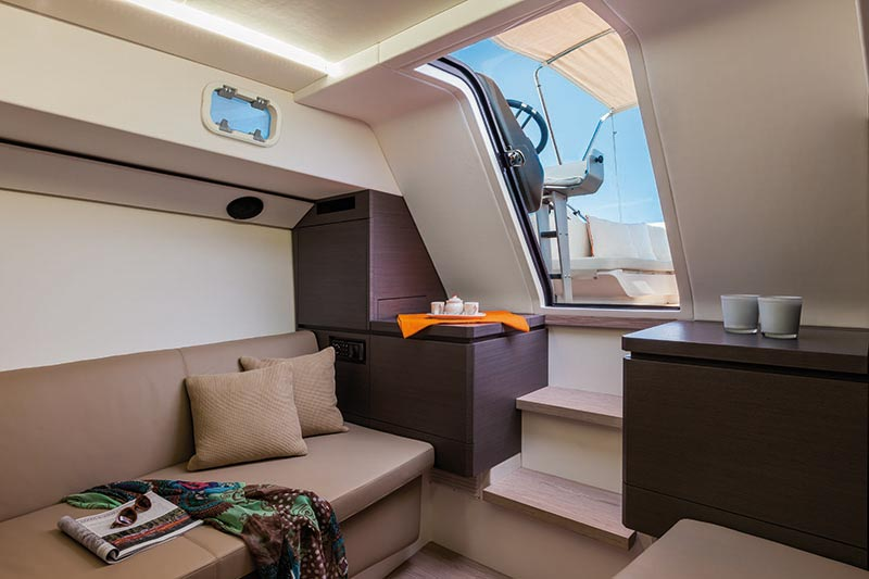 Yachts middle east - WIDER 32 -INTERIOR - 1