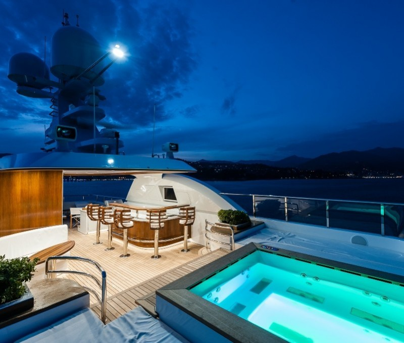 Yachts middle east - Sunrise yacht 45m atomic - Roof