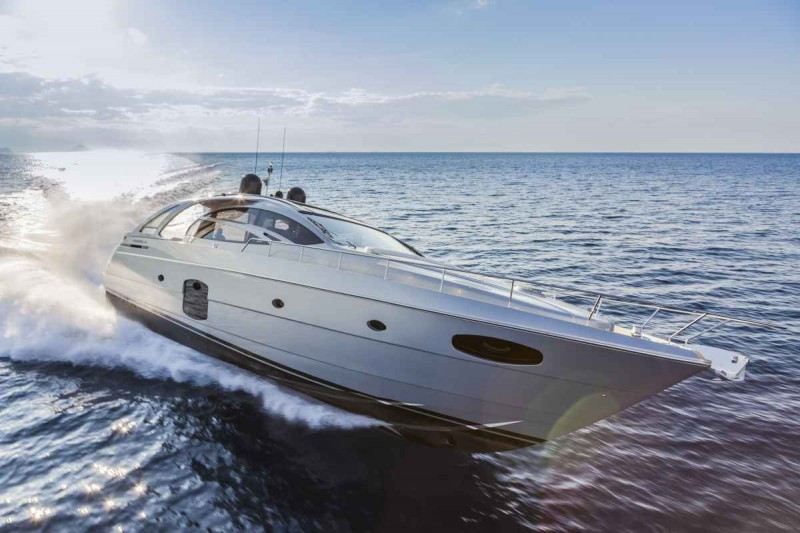 Yachts middle east - Ferretti group - pershing 70 - genoa