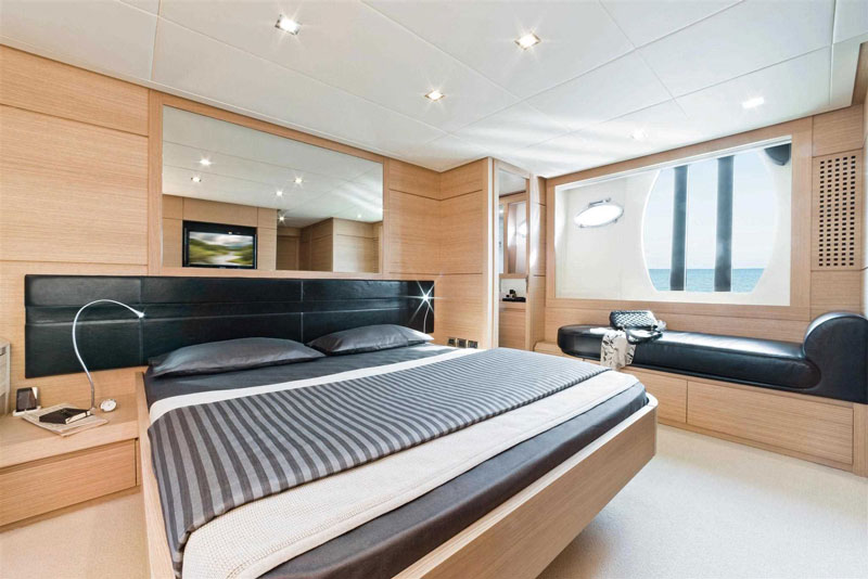 Yachts middle east - pershing 64 - interior - 1