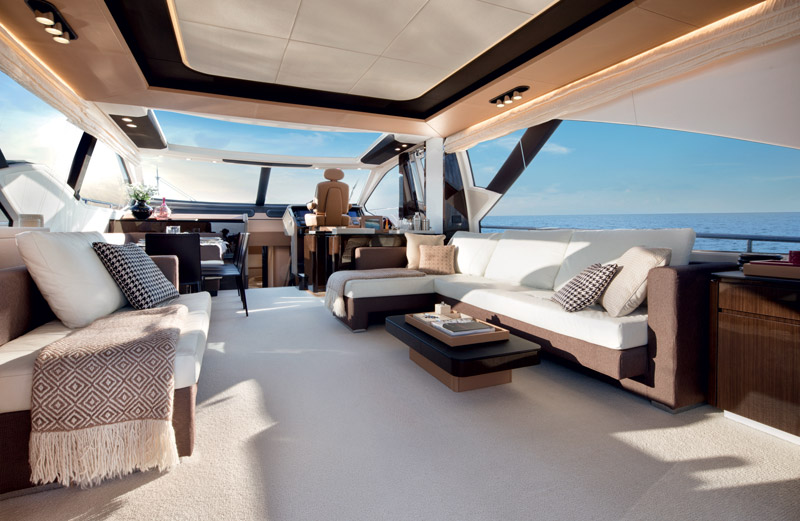 Yachts middle east - Azimut 77S - interior