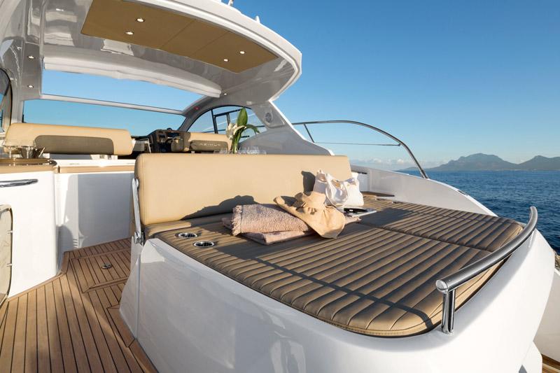 Yachts middle east - Azimut - Atlantis 43 - sunpad