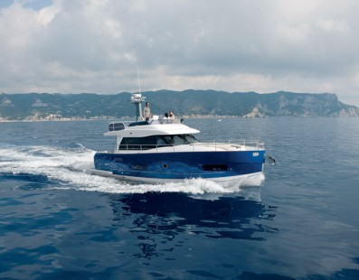 """Azimut Yachts 50 Fly wins the """" European Power Boat of the Year 2015 """""""