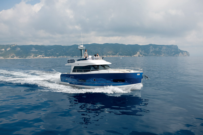 Yachts middle east - Azimut - Magalleno 43 - Power boat