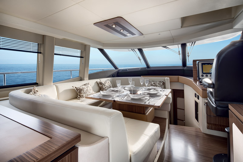 Yachts middle east - Azimut - Magellano 53 - salon