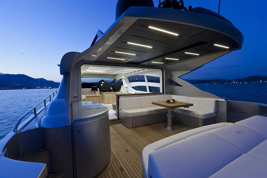 Yachts middle east - pershing 74 - 6