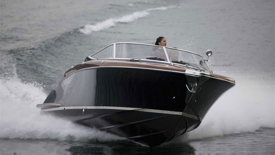 Yachts middle east - Aquariva Super - 2