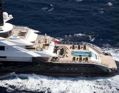 Alfa Nero 269 قدم الرائع التابع ل-Oceanco هو الأمثل لنمط حياة في الهواء الطلق