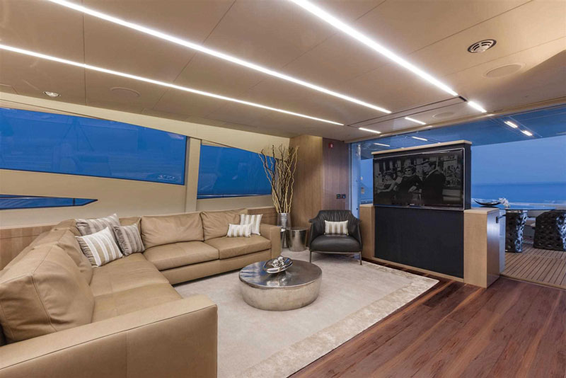 Yachts middle east - pershing 108 - 6