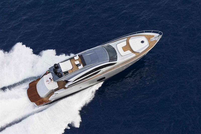 Yachts middle east - pershing 82 - 2
