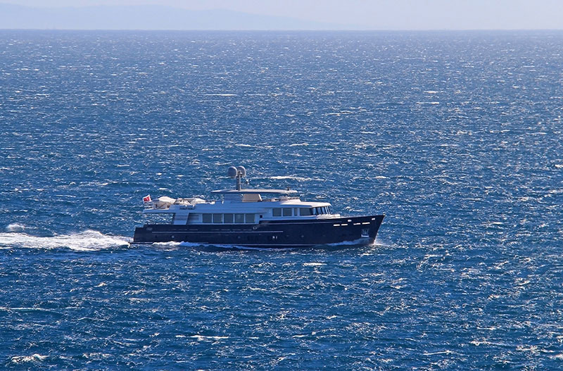 yachts middle east - Santa Maria T