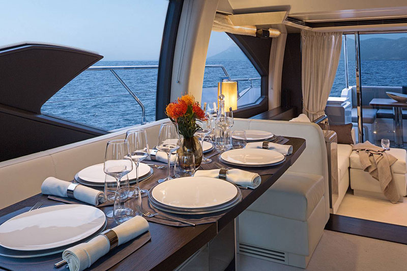 yachts middle east - Azimut - exterior dining