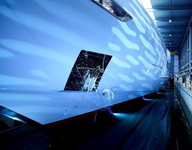 أطلقت مؤسسة Heesen Yachts أكبر يخت في أسطولها حتى الآن: موتور يخت رقم 17470 (المعروف بإسم مشروع Kometa) والذي أطلق عليه الآن إسم Galactica Super Nova