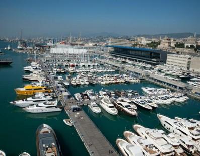 يؤكد Ferretti Group تعهده للسوق الإيطالية من خلال المشاركة، كشركة رائدة، في معرض قوارب جنوة الدولي، مع أسطول يتألف من 8 يخوت، من ضمنهم عرضان أوليان مطلقان لإيطاليا