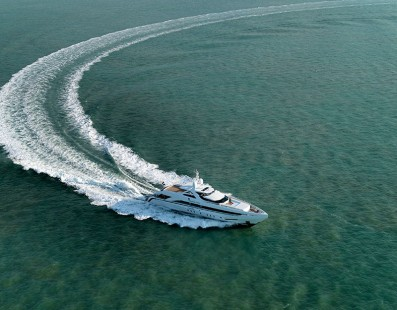شركة Heesen Yachts تسلم Amore Mio، يخت رقم 17145 رياضي بطول 45 متر