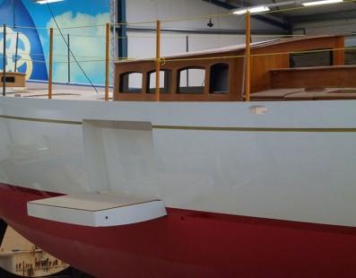 يشارف بناء سفينة Truly Classic Acadia على الإنتهاء في حوض سفن Claasen. بلغ يخت التسعون قدم مرحلة البناء الأخيرة