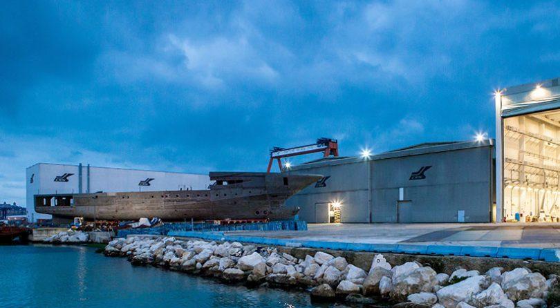 يتواصل العمل على موتور يخت 135 CRN الجديد بطول 79 متر في حوض بناء سفن انكونا