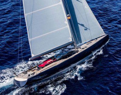 33m Missy Sailing in the Mediterranean